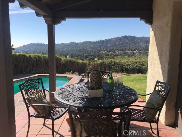 1661 La Cresta Drive, Pasadena CA: http://media.crmls.org/medias/e2e0dd26-8e93-4313-8fba-8d2abc54084f.jpg