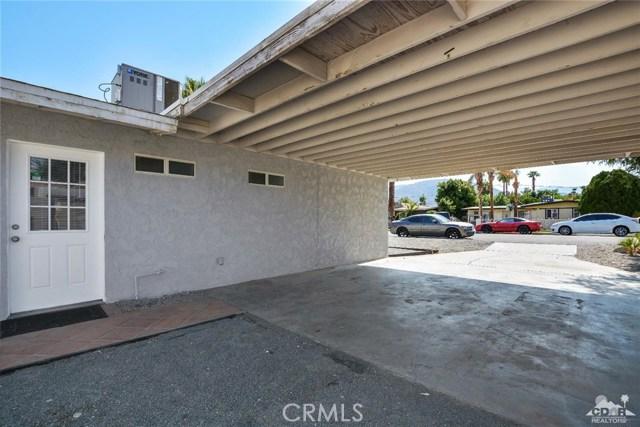 43670 Carmel Cir, Palm Desert CA: http://media.crmls.org/medias/e2e58114-2265-4076-a720-825685974ee8.jpg