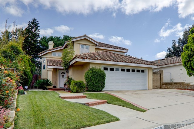 Photo of 828 S Wildflower Lane, Anaheim Hills, CA 92808
