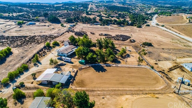 40915 E Benton Rd, Temecula, CA 92544 Photo