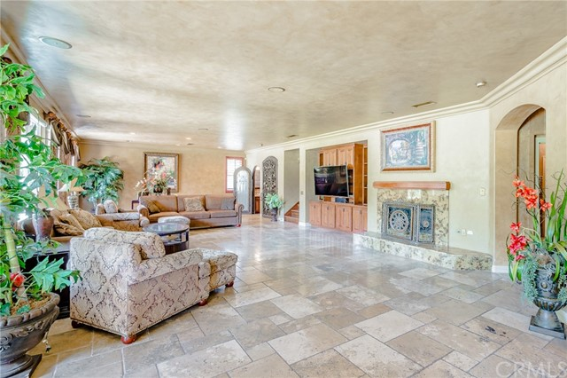 954 White Ranch Circle, Corona CA: http://media.crmls.org/medias/e2fc07dc-51c0-4e2f-a9ff-28b13a89ffea.jpg