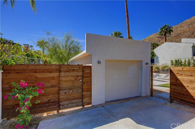 Single Family Home for Sale at 291 W Overlook Road 291 W Overlook Road Palm Springs, California 92264 United States