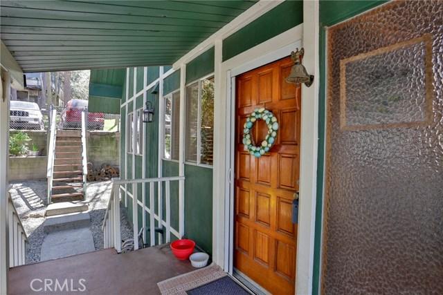 22833 Laurel Lane, Crestline CA: http://media.crmls.org/medias/e307139e-d066-4690-bcf0-73d8be624c55.jpg