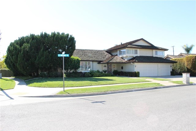Single Family Home for Sale at 772 El Mirador St Fullerton, California 92835 United States