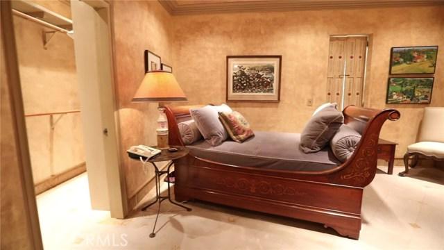 9309 Lloydcrest Drive, Beverly Hills CA: http://media.crmls.org/medias/e3208cc9-b6d1-428b-8a2e-303eb94266a9.jpg