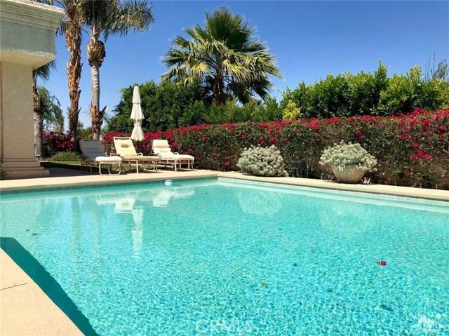 48870 View Drive, Palm Desert CA: http://media.crmls.org/medias/e32df672-88b1-4ce6-8584-6bb8105dc0b0.jpg