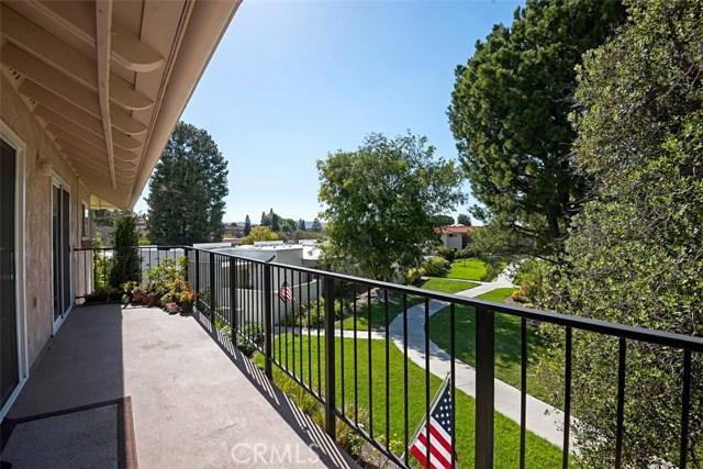 2237 E VIA PUERTA E Circle, Laguna Woods CA: http://media.crmls.org/medias/e3383f60-2352-4ab6-b959-8ec07f1372ea.jpg