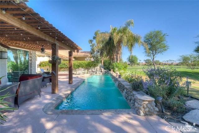 54015 Southern Hills, La Quinta CA: http://media.crmls.org/medias/e33a94cd-effb-4a6a-ae40-2dd01596646a.jpg