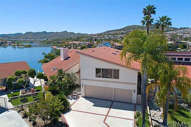 Photo of 30090 Silver Saddle Court, Canyon Lake, CA 92587