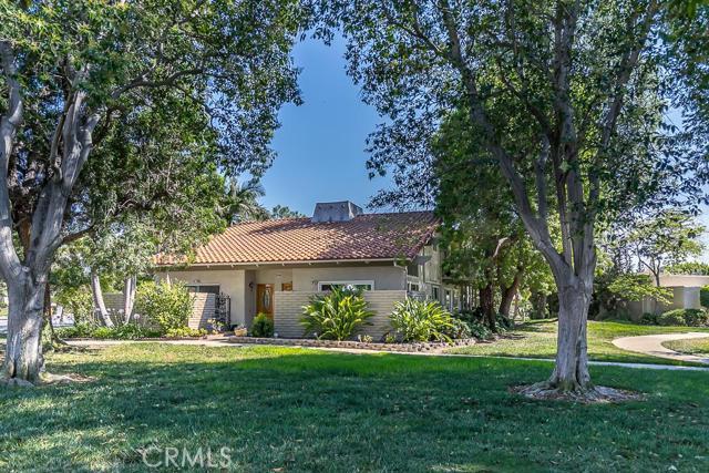 Condominium for Sale at 2334 Avenida Sevilla Laguna Woods, California 92637 United States