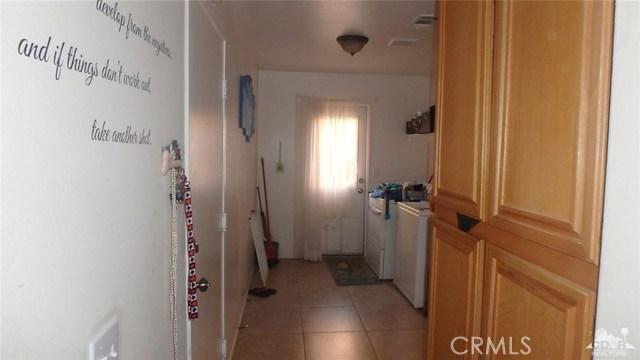 66029 Avenida Barona, Desert Hot Springs CA: http://media.crmls.org/medias/e3551412-1360-49e2-8715-e59b230fecc1.jpg