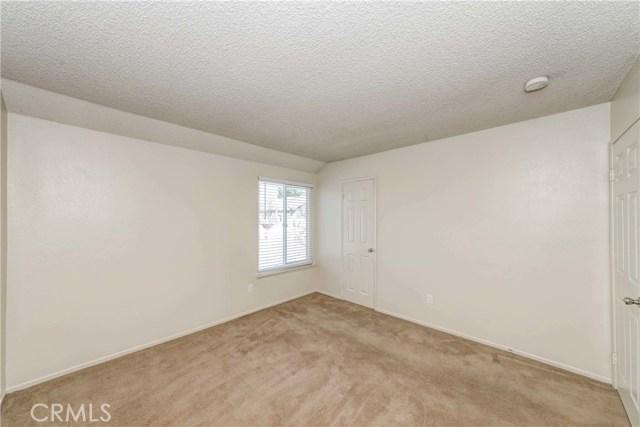 5640 Riverside Drive, Chino CA: http://media.crmls.org/medias/e359dfe6-e10f-4fbd-84e7-e44dbf27ce8d.jpg