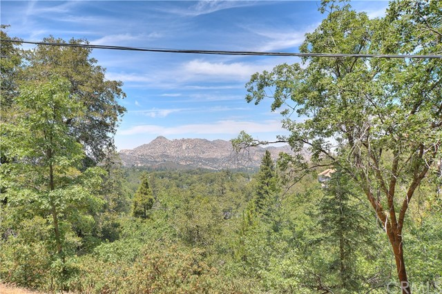 1343 Evergreen Lane Lake Arrowhead, CA 92352 - MLS #: EV17162518