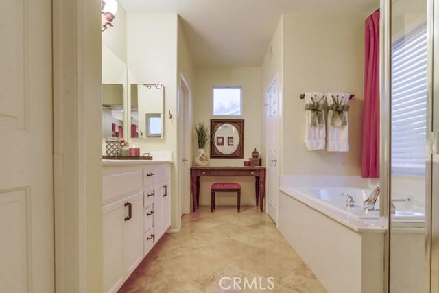 598 Redondo Lane, Corona CA: http://media.crmls.org/medias/e36ee9a6-f935-4041-8704-61b27f9cd03b.jpg