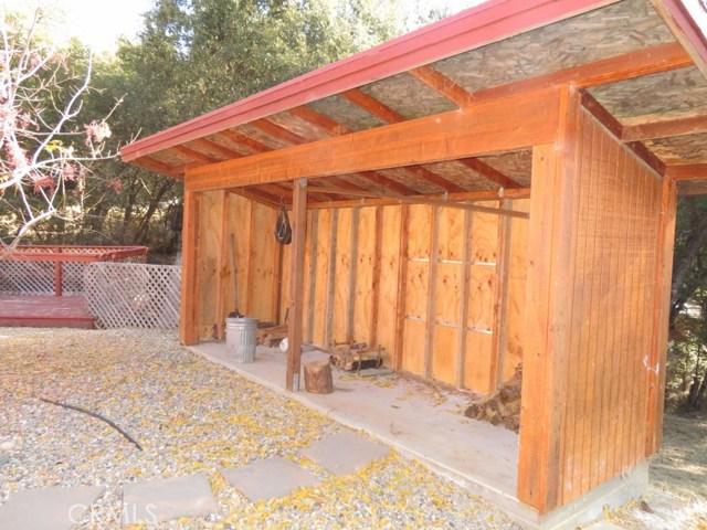 51802 Ponderosa Way, Oakhurst CA: http://media.crmls.org/medias/e37534d0-4d12-4e24-900c-899dd2c44f44.jpg
