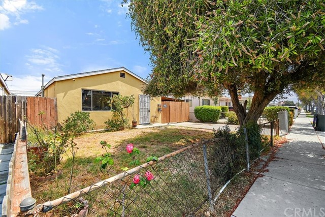 Detail Gallery Image 1 of 1 For 4307 W 160th St, Lawndale,  CA 90260 - 5 Beds | 2 Baths