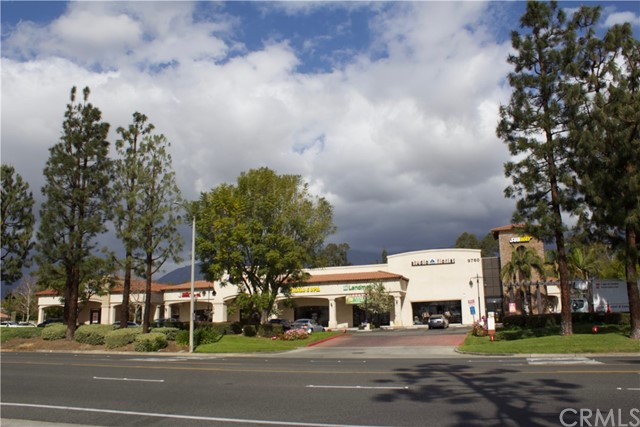 9760 Baseline Road, Rancho Cucamonga CA: http://media.crmls.org/medias/e38e318e-df9a-417d-82d1-f2a7a3bf5e7c.jpg
