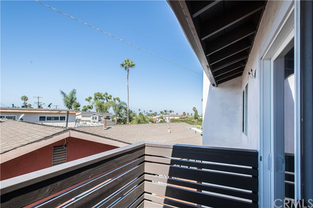 229 W El Portal, San Clemente CA: http://media.crmls.org/medias/e399bdb8-ae6c-4203-b991-02fb45cd440d.jpg