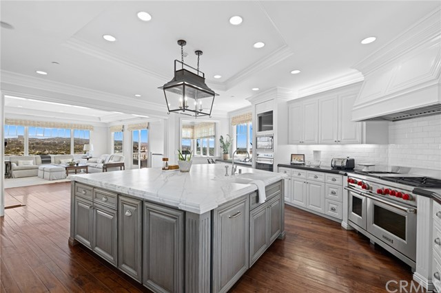 115 Kings Place, Newport Beach, California 92663, 6 Bedrooms Bedrooms, ,5 BathroomsBathrooms,Residential Purchase,For Sale,Kings Place,NP21085772