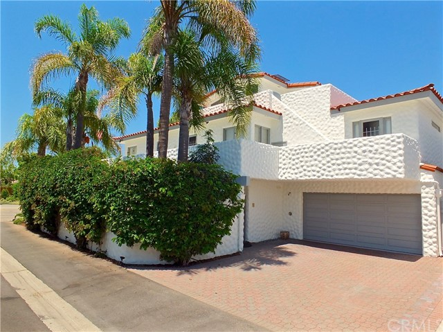 5297 Appian Way, Long Beach CA: http://media.crmls.org/medias/e3b27917-1cca-4b10-83a8-f3206bb70773.jpg