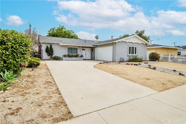 Detail Gallery Image 1 of 18 For 17417 Upland Ave, Fontana,  CA 92335 - 3 Beds | 2 Baths