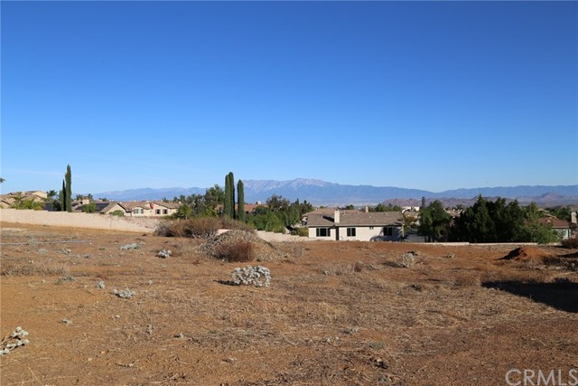 1709 Galloway Lane, Corona CA: http://media.crmls.org/medias/e3ba6fc4-be65-49c1-a2b6-610527d667df.jpg