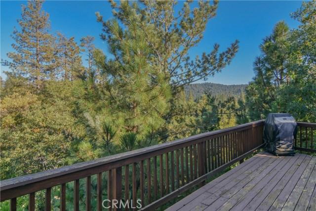 27505 North Bay Road, Lake Arrowhead CA: http://media.crmls.org/medias/e3cd2492-7f68-4313-bca3-5e80b6dbd52c.jpg