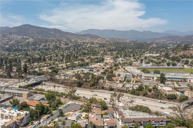 444 Piedmont Avenue, Glendale CA: http://media.crmls.org/medias/e3cebf56-1fd4-43ed-924c-a8996ba30988.jpg