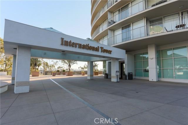 700 E Ocean Boulevard, Long Beach CA: http://media.crmls.org/medias/e3d69d06-8f4b-4660-ab01-6867c5b53306.jpg