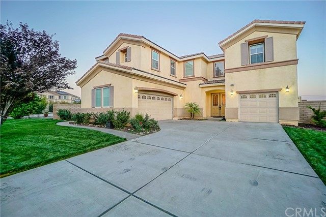 5087 Cottontail Way, Fontana CA: http://media.crmls.org/medias/e3d6cd82-8dd2-4fe9-ae62-d0e75103ff3a.jpg