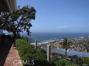 1265 Skyline Drive, Laguna Beach CA: http://media.crmls.org/medias/e3dba231-c33f-4ac5-9b86-53ff147ebfea.jpg