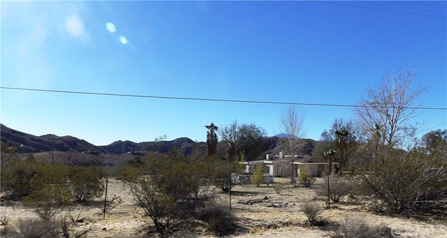 Single Family Home for Sale at 9180 Ole Street 9180 Ole Street Morongo Valley, California 92256 United States