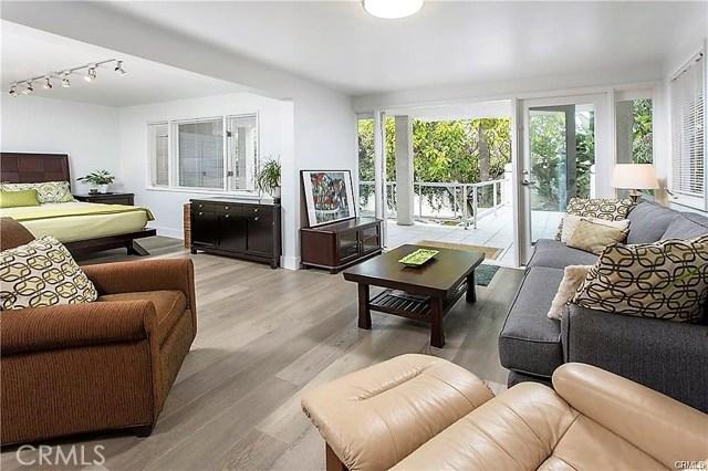 550 Thalia Street, Laguna Beach CA: http://media.crmls.org/medias/e3e4f210-e5d0-4a6d-ba62-51f1cee81177.jpg
