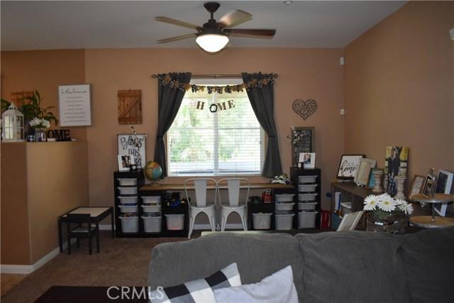 6272 Beth Page Drive, Fontana CA: http://media.crmls.org/medias/e3ec0f99-9455-4336-b0fe-b07f3756e864.jpg