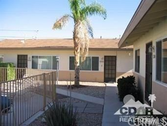 74316 Alessandro Drive, Palm Desert CA: http://media.crmls.org/medias/e3ecbde9-3a2f-4f99-8eac-0a2da4d394d8.jpg