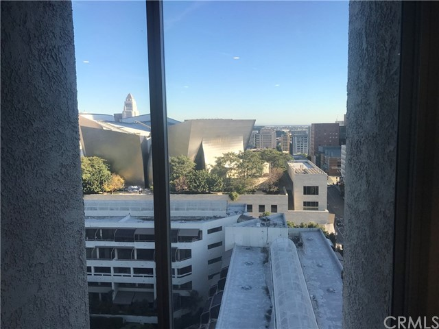 800 W 1st Street, Los Angeles CA: http://media.crmls.org/medias/e4130f55-2fed-4ccc-8730-96b172dba9c8.jpg