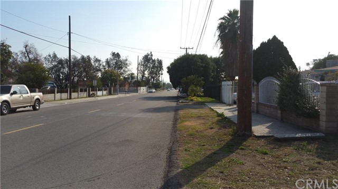 9140 Redwood Avenue,Fontana,CA 92335, USA