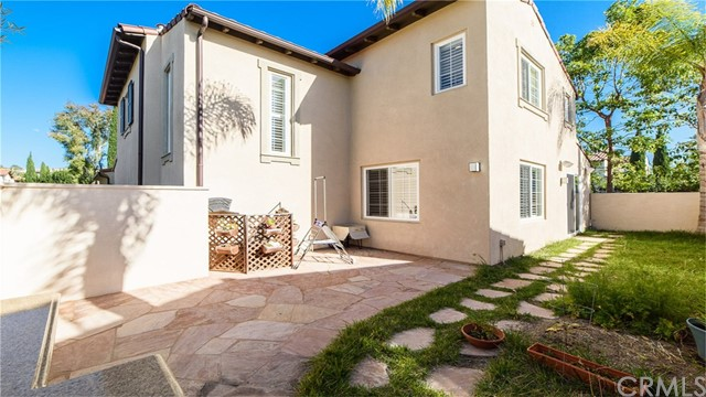 59 Pathstone , CA 92603 is listed for sale as MLS Listing OC18206762
