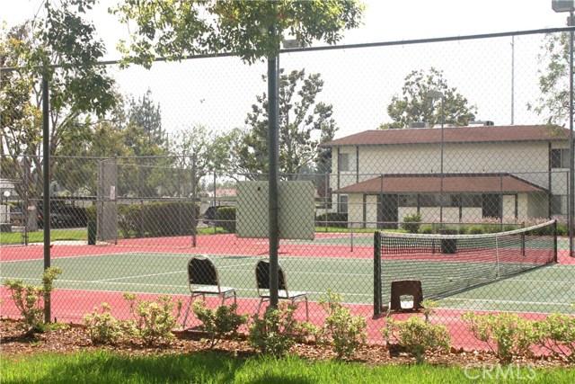 26200 Redlands Boulevard, Loma Linda CA: http://media.crmls.org/medias/e4168d49-e4a7-49c0-8f05-911e9509ae8a.jpg