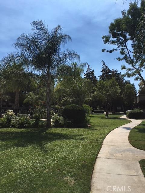 1151 S Chestnut Avenue, Fresno CA: http://media.crmls.org/medias/e4185592-1f6e-4bce-90b4-8dbeadb65b23.jpg