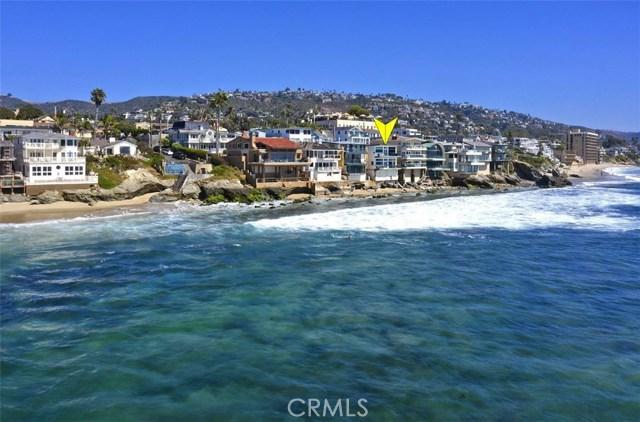 1241 Ocean Front, Laguna Beach CA: http://media.crmls.org/medias/e41a053b-2cfa-4ddc-8094-de1eafb95aae.jpg