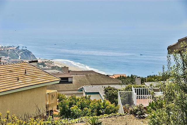 Single Family Home for Sale at 32222 Sea Island Dana Point, California 92629 United States