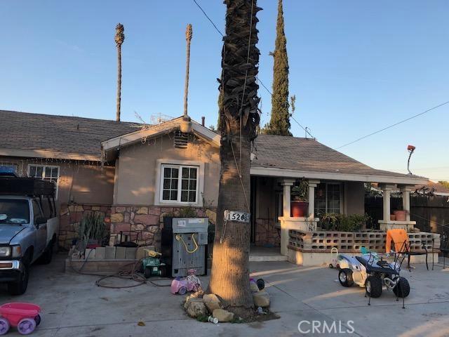 15268 Merrill Avenue, Fontana CA: http://media.crmls.org/medias/e42b431a-559b-4ffa-8495-dd4824d7af9e.jpg