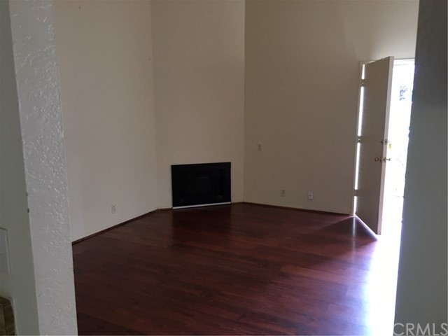 Photo 3 for Listing #PW17107229