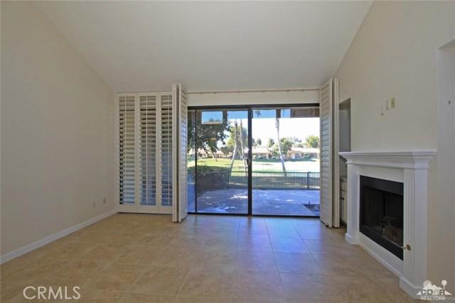 163 Madrid Avenue, Palm Desert CA: http://media.crmls.org/medias/e446810a-8355-4381-8667-d8d7d62ff15d.jpg