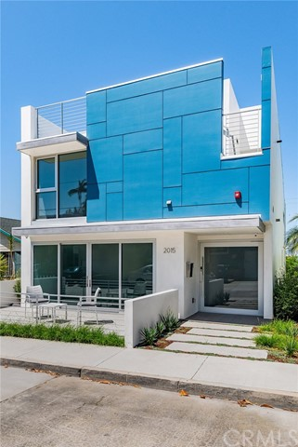 2015 E Springfield Avenue  Hermosa Beach CA 90254