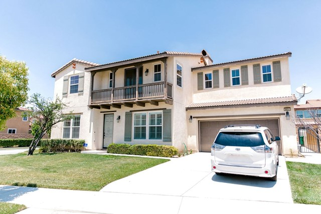 6631 French Trotter Drive, Eastvale CA: http://media.crmls.org/medias/e4523971-0d4d-4d7b-a40c-9a3f41033d7b.jpg