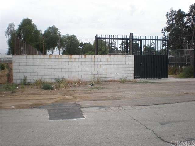 Additional photo for property listing at 1024 E California Street  Ontario, California 91761 Estados Unidos