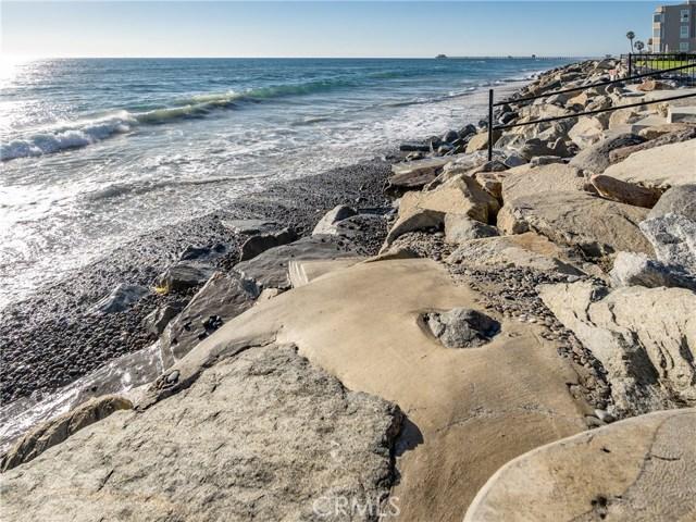 933 S Pacific Street, Oceanside CA: http://media.crmls.org/medias/e4639d64-edcf-4dad-a169-ca13922fc737.jpg