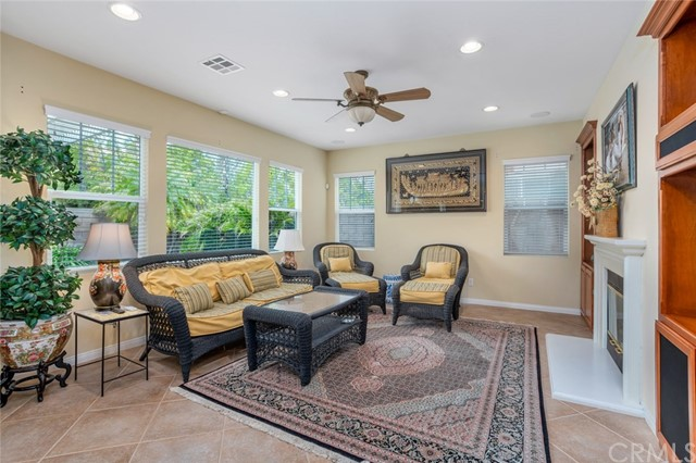 7324 Reserve Place, Rancho Cucamonga CA: http://media.crmls.org/medias/e46b4bf8-a839-48f1-957b-fd8d0ecf6d3e.jpg